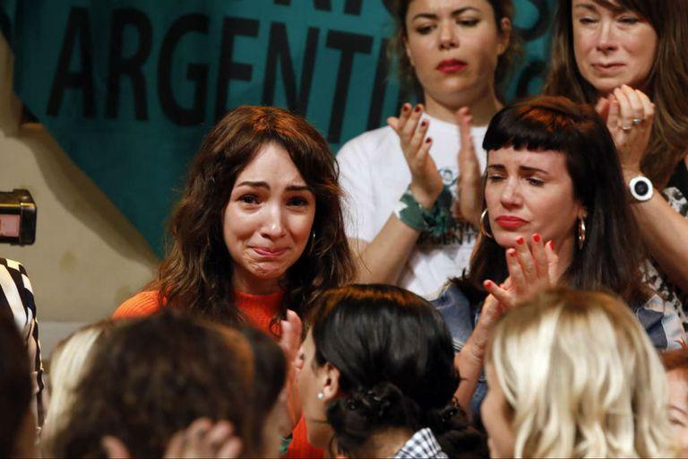Thelma Fardin, acompañada del colectivo Actrices Argentinas, hace exactamente un año, mostró un video en el que contó haber sido violada por el actor Juan Darthés durante la gira de Patito Feo