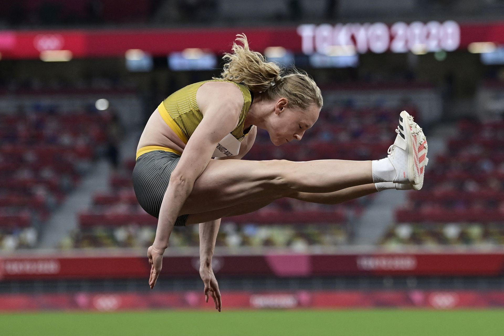 Neele Eckhardt de Alemania, durante su participacón en el triple salto
