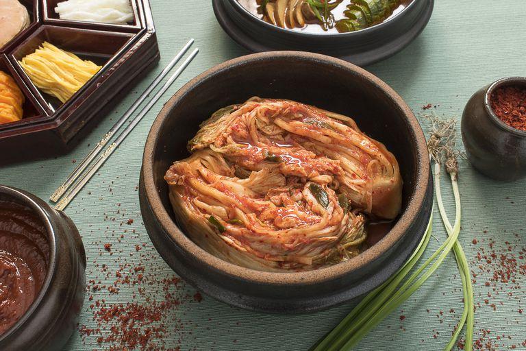 Kimchi de repollo asiático o bechu