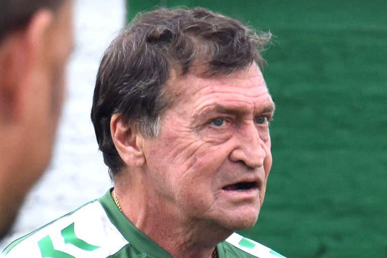 Julio Falcioni podría ocupar otro rol en el club del Sur; es lo que desea la dirigencia