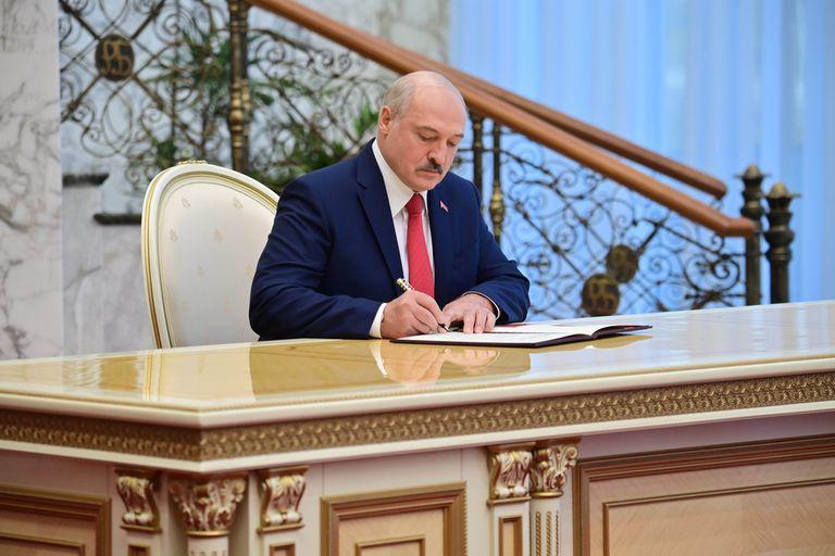 Lukashenko durante la ceremonia de asunción