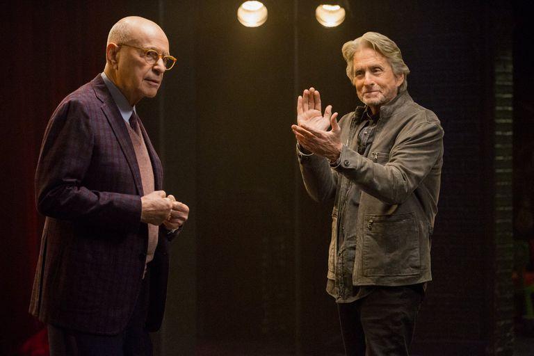 Alan Arkin y Michael Douglas, ambos nominados por El método Kominsky, de Netflix