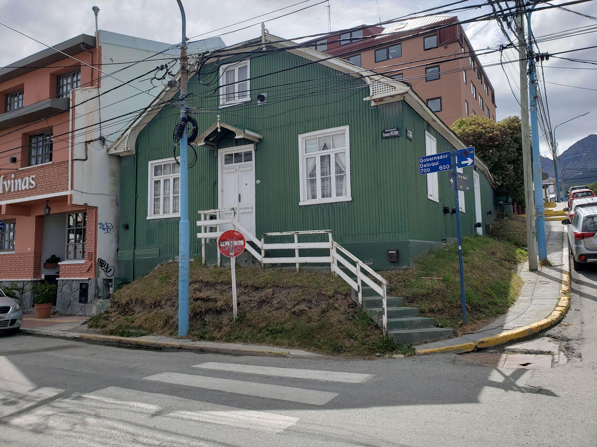 Casa Muñoz está en Gdor. Deloqui y 25 de Mayo.