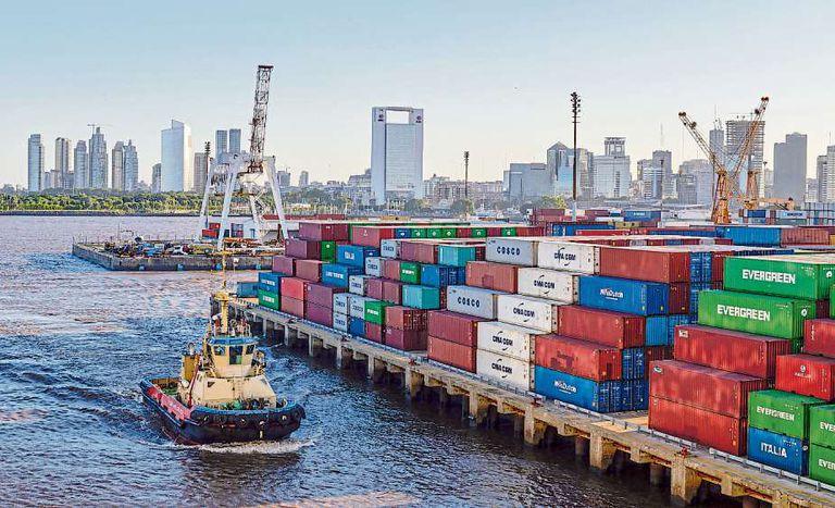 Ante la crisis de reservas imponen más controles y trabas al pago de importaciones