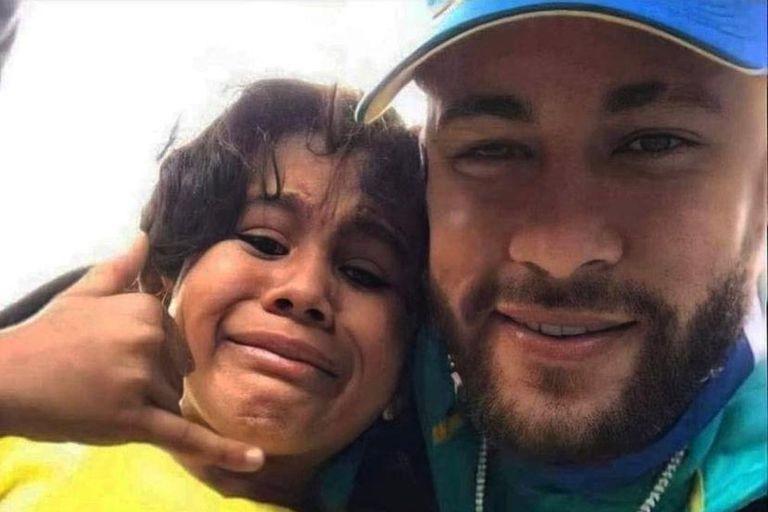 Neymar se sacó una foto con un fanático colombiano