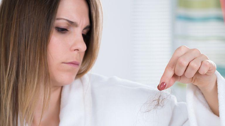 ¿Cuándo debe preocuparnos la caída del pelo?