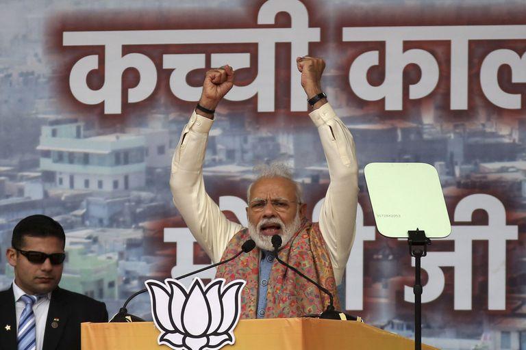 El primer ministro indio, Narendra Modi, ayer, en el mitín de su partido