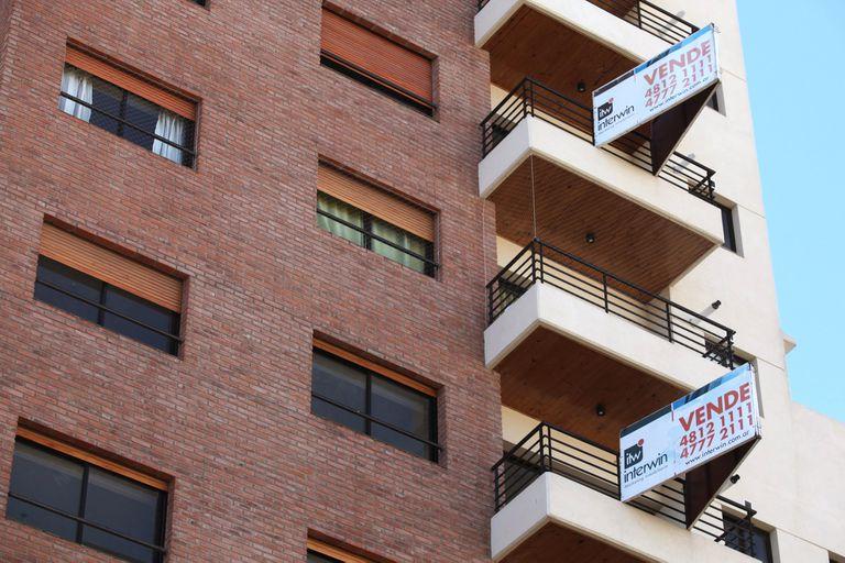 """""""No puede ser que una persona en vez de pagar una vivienda termine pagando dos o tres viviendas"""", dice el senador José Mayans"""