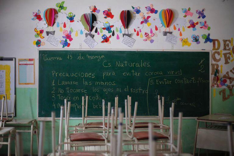 Las escuelas no darán clases, pero continuarán abiertas.