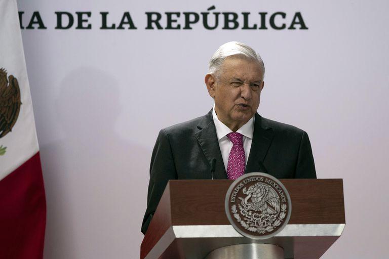 El presidente Andrés Manuel López Obrador habla en el Palacio Nacional el jueves 1 de julio de 2021 en una ceremonia para conmemorar el tercer aniversario de su triunfo electoral, en la Ciudad de México. (AP Foto/Fernando Llano)