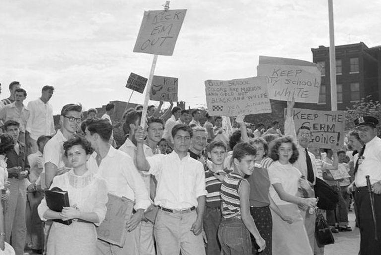 Bryant Howroyd creció en la turbulenta época en que se inició la integración racial de las escuelas en Estados Unidos.