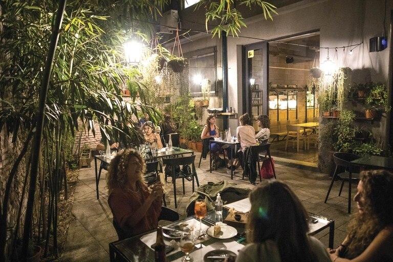 En Arrabal reinan los platos con sentimiento, la cocina de bodegón.