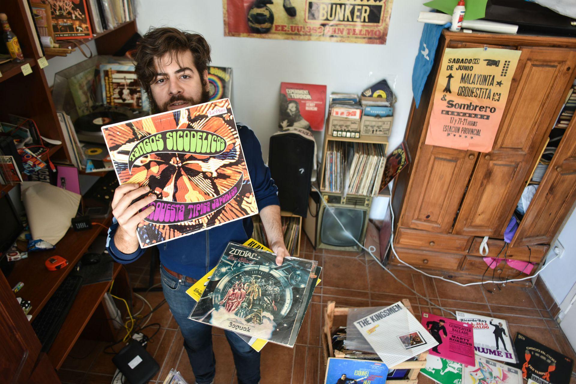 Martín Garrido, coleccionista y DJ de vinilos