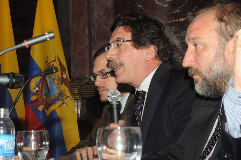 El Ministro de Educación de la Nación, Alberto Sileoni, inauguró en Rosario el Seminario Regional de Unasur, que contó con la presencia de representantes de universidades de la región