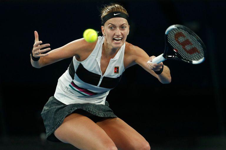 Kvitova venció en dos sets a la australiana Ash Barty, pero no se conforma