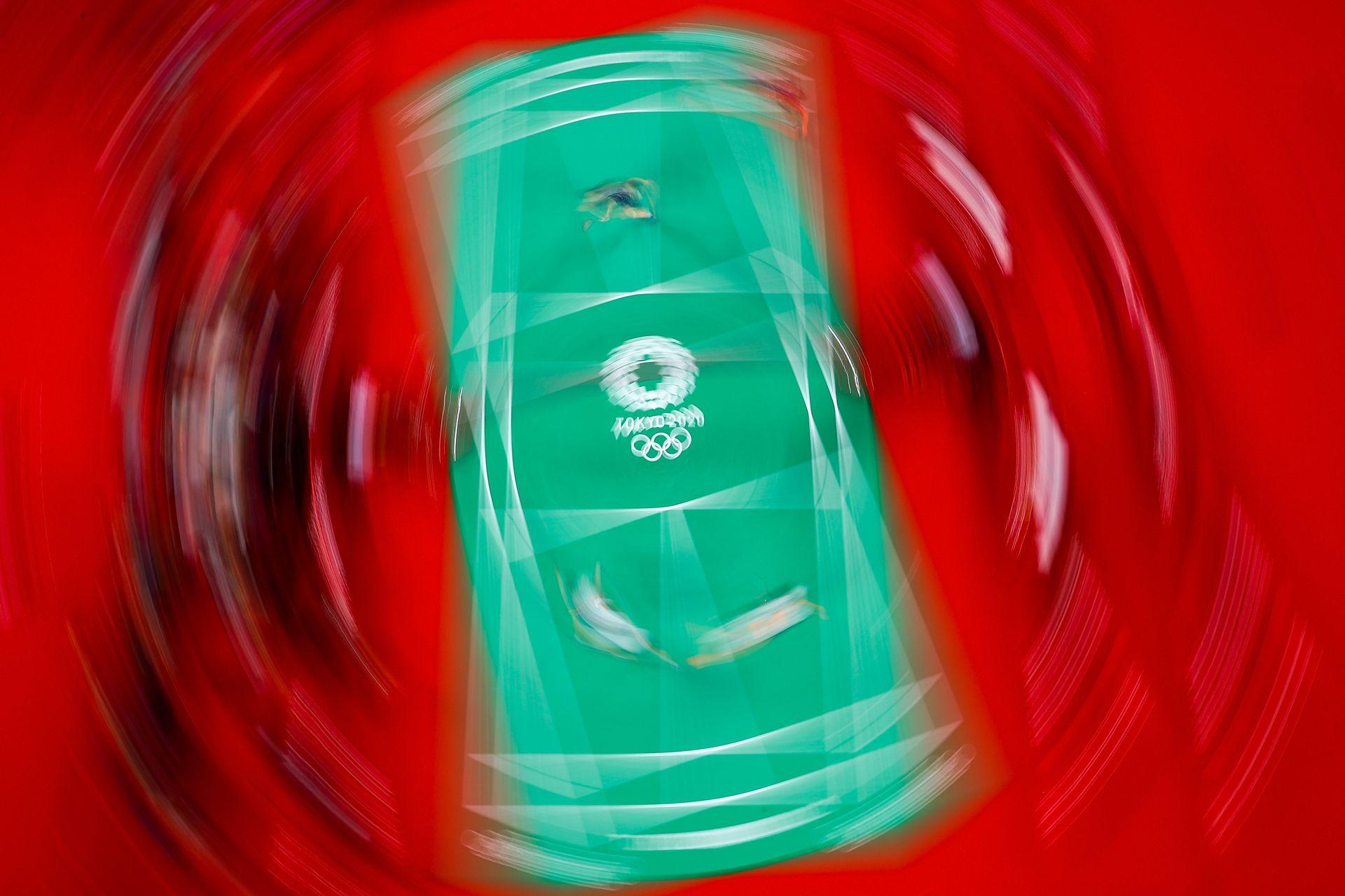 Una vista de la cancha cuando Kim Soyeong y Kong Heeyong del equipo de Corea del Sur compiten contra sus compatriotas Lee Sohee y Shin Seungchan por la medalla de bronce del doble femenino