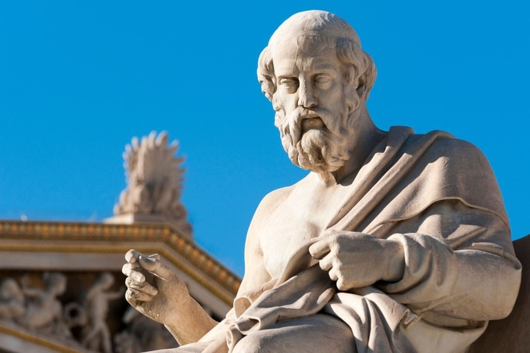 Platón creía que el universo estaba hecho de cinco tipos de materia, y que cada uno tenía una figura geométrica propia (un sólido platónico)