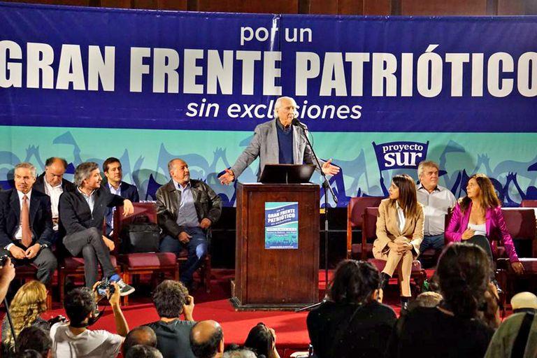 Pino Solanas y Vicky Donda formalizaron su alianza con el kirchnersimo