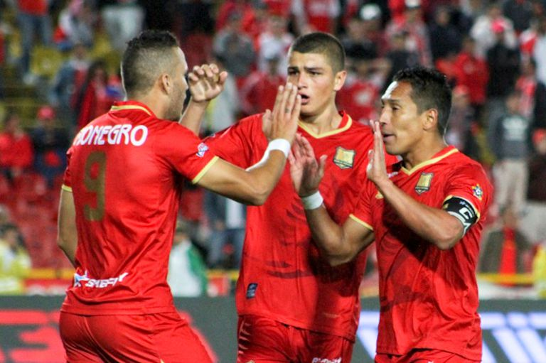 Un club nómade acosado por el descenso: radiografía del rival de Independiente