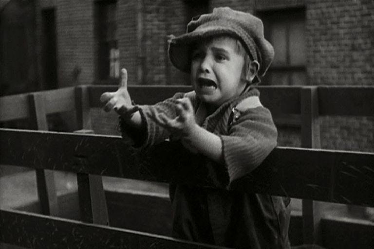 El carisma de Jackie Coogan, que tenía solo cuatro años cuando fue descubierto por Chaplin en un music hall de Los Angeles