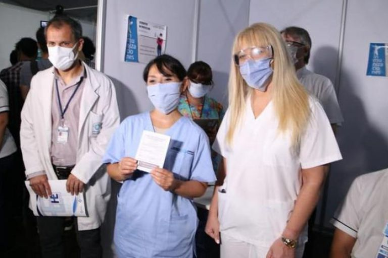 La ministra de Salud de Tucumán, Rossana Chahla, y los investigadores que participaron del estudio