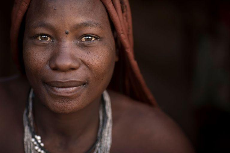 África: los rituales ancestrales donde todavía encierran a las mujeres por meses