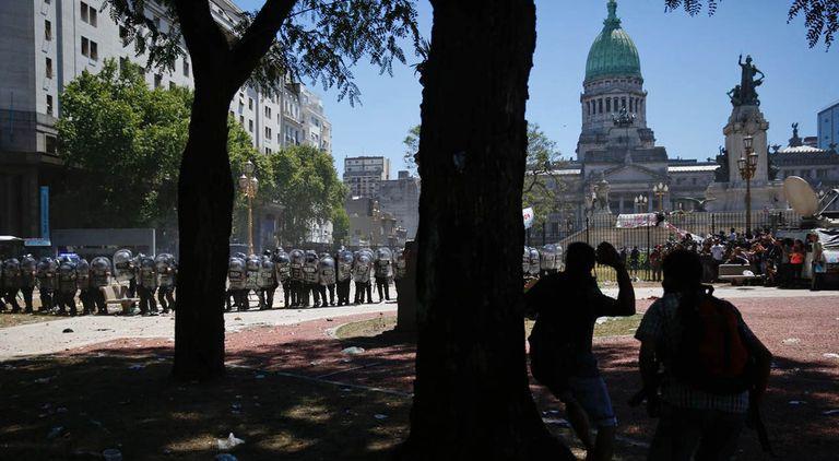 Incidentes en la plaza de los Dos Congresos