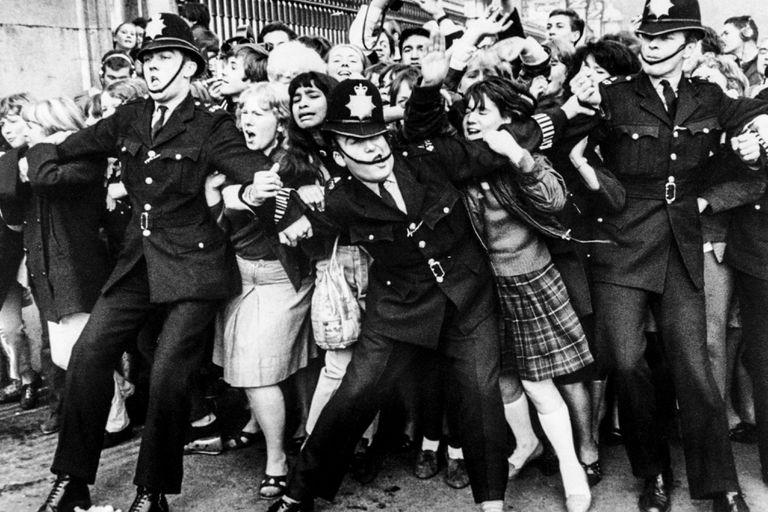 La efervescencia adolescente, postal de la beatlemanía que marcó la primera mitad de los años 60
