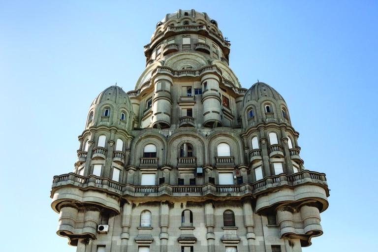 El Palacio Salvo, en su momento el edificio más alto de América.