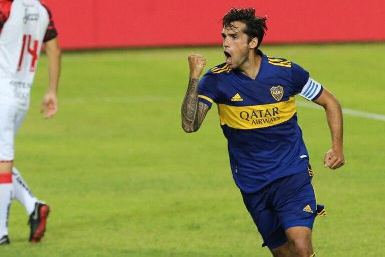 El festejo de Mas, capitán y goleador de Boca ante Defe