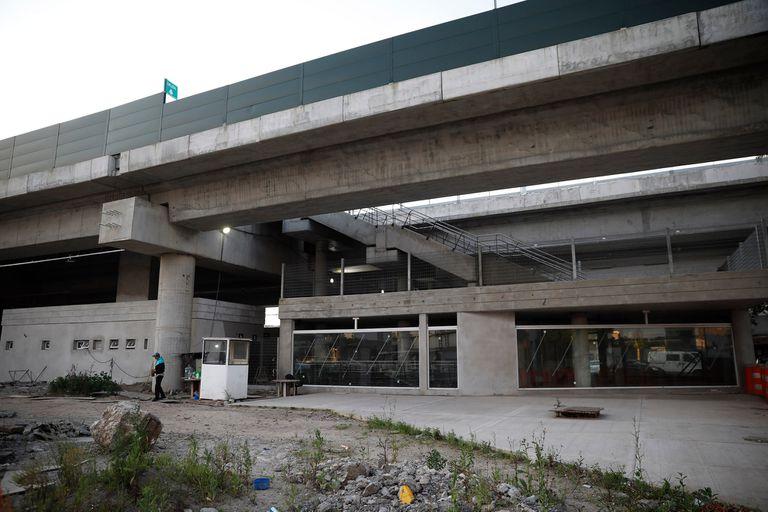 Viaducto San Martín: dos estaciones quedaron sin terminar y siguen cerradas