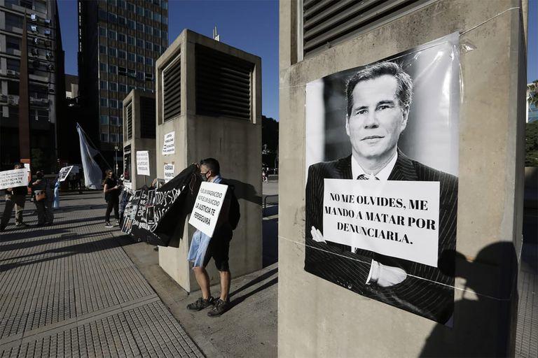 Un centenar de personas se convocó para pedir justicia por Nisman