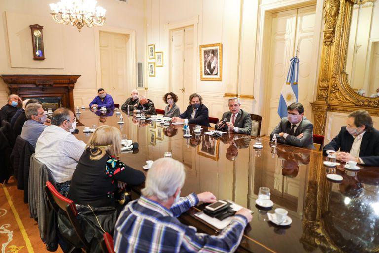 El Presidente y la CGT renovaron su frágil alianza: críticas a la oposición, pero también reclamos internos