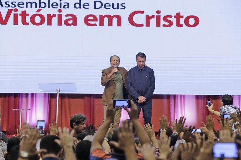 """Bolsonaro fue a misa y dijo: """"No soy el más capacitado, pero Dios capacita a los elegidos"""""""
