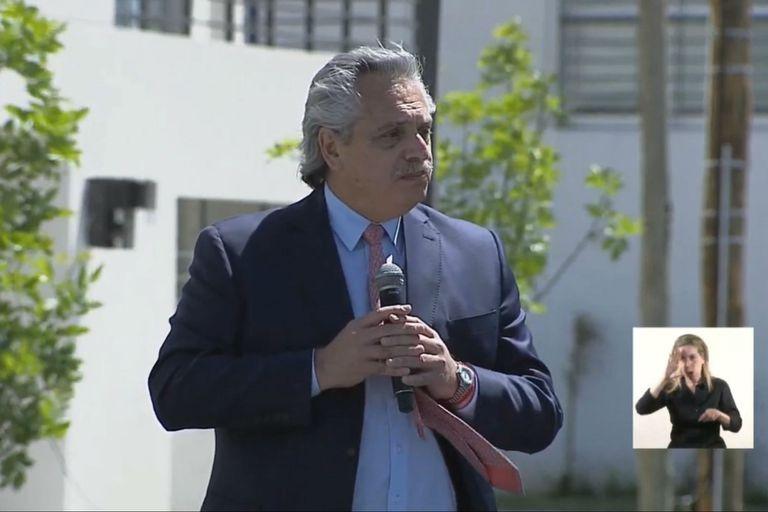 """Fernández. """"Siento que vengo a terminar lo que empezó Néstor y siguió Cristina"""""""