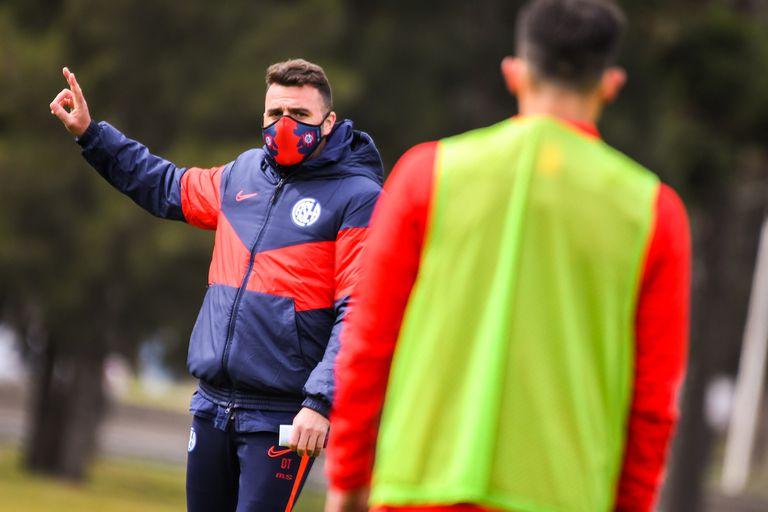 Mariano Soso asumió en marzo y debido a la pandemia apenas había entrenado 48 horas con sus jugadores