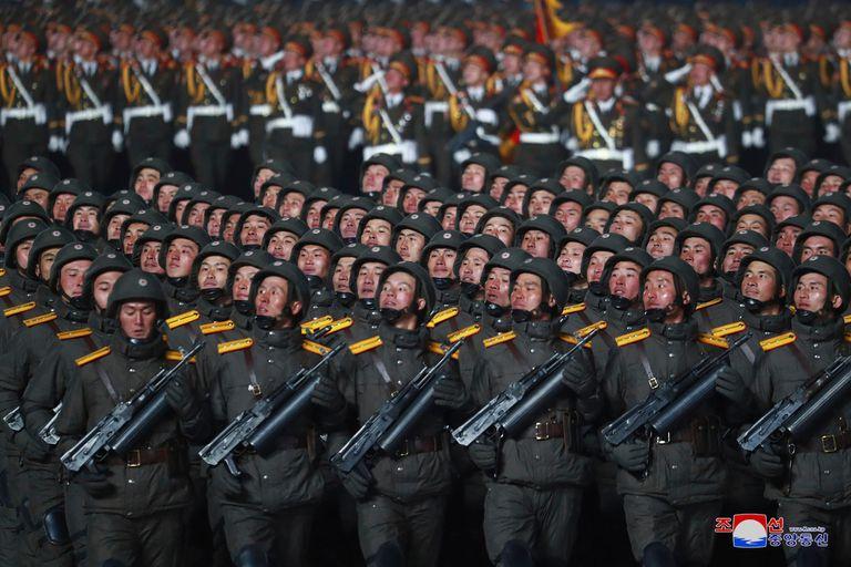 El desfile militar marcó el cierre del congreso partidario