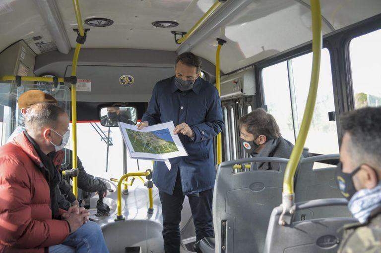 El peculiar viaje en micro de Kicillof y los intendentes para afinar la campaña