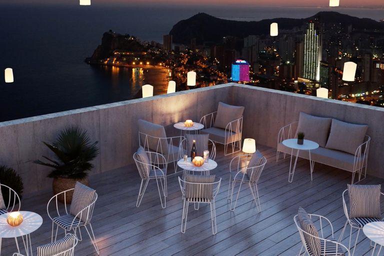 Cenar en las alturas y al calor mediterráneo