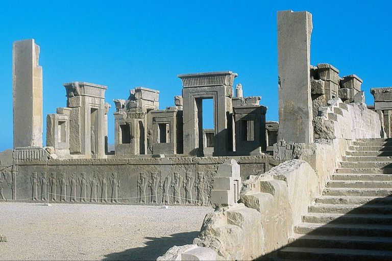 Todos los vestigios monumentales de Persépolis son auténticos