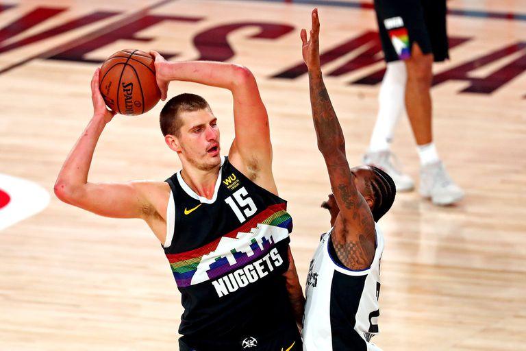 NBA. El triple a una pierna de Jokic en la victoria de Denver frente a Clippers