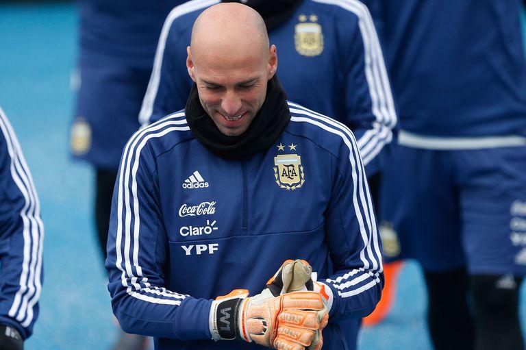 Con 36 años, Caballero podría debutar en la selección mayor; atajó en el Mundial juvenil 2001 y los Juegos Olímpicos 2004