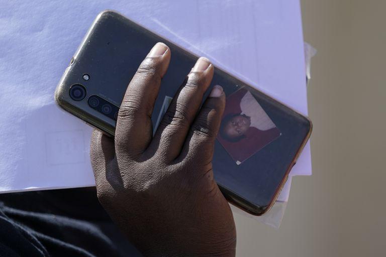 Image WhatsApp, redes sociales guían a migrantes haitianos a Texas