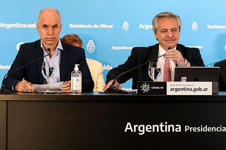 Horacio Rodríguez Larreta y Alberto Fernández durante un anuncio de extensión de la cuarentena