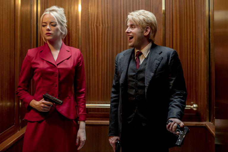 Emma Stone y Jonah Hill en uno de los mundos de Maniac