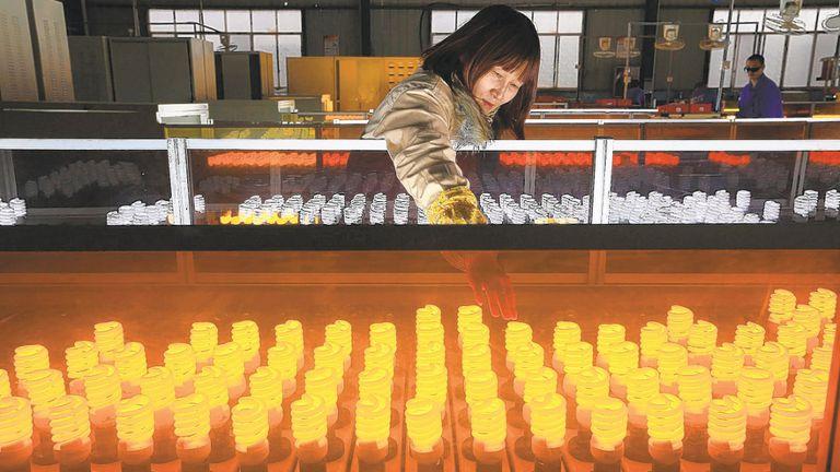 Las fabricas chinas detectan una caída en la demanda y retrasos en los pagos, y esperan un año difícil