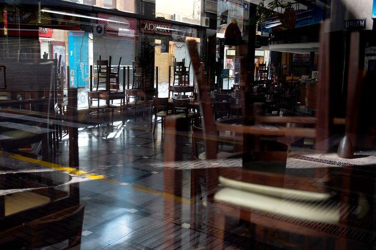 Bares cerrados por las restricciones