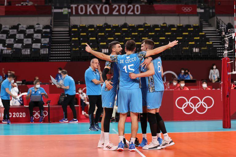 En un cierre electrizante, el vóleibol se lo dio vuelta a Túnez y se acerca a los cuartos de final