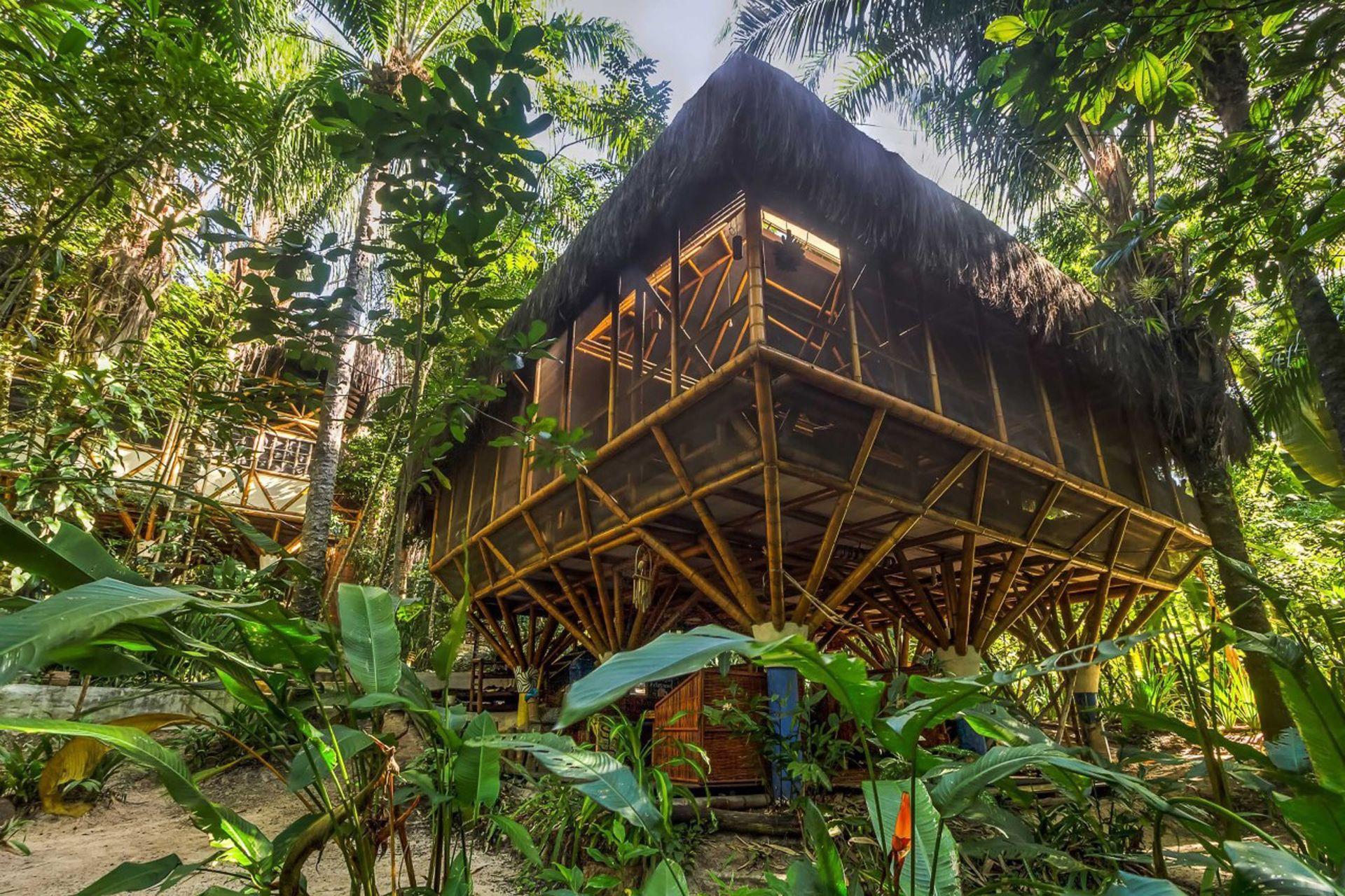 El hostel sigue creciendo, todo con materiales amigables