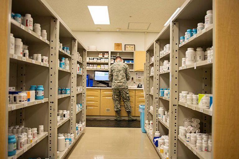 El gobierno de EE.UU. autorizó este miércoles a las farmacias a llevar a cabo pruebas para el coronavirus,